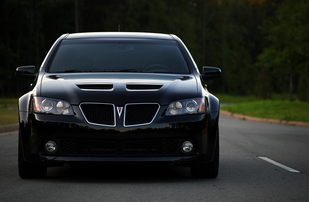 PONTIAC G8 GT black
