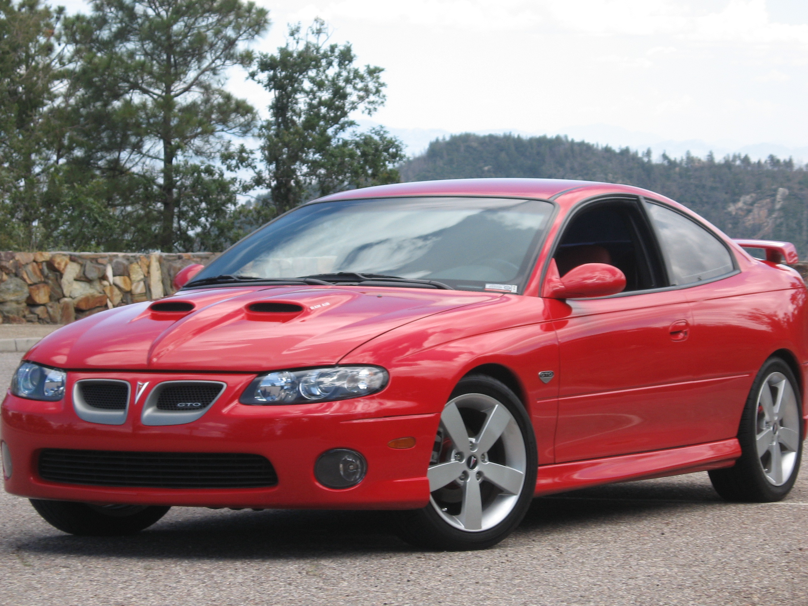 PONTIAC GTO - Review and photos