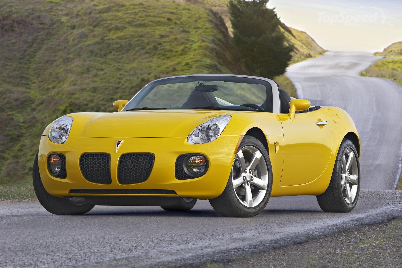 PONTIAC SOLSTICE CONVERTIBLE brown