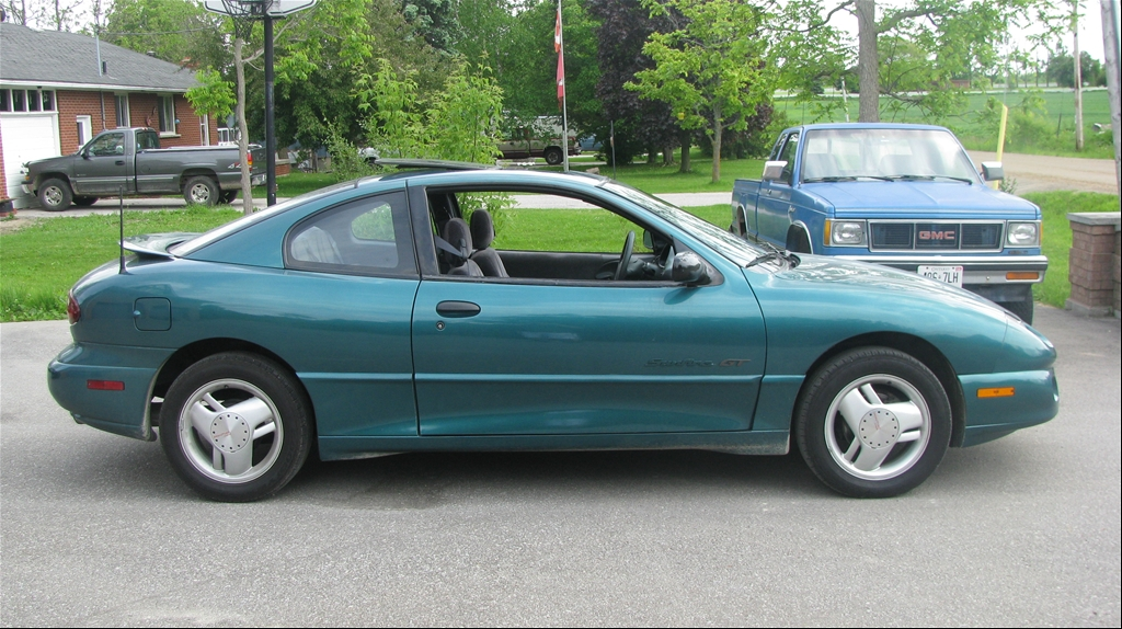 PONTIAC SUNFIRE green