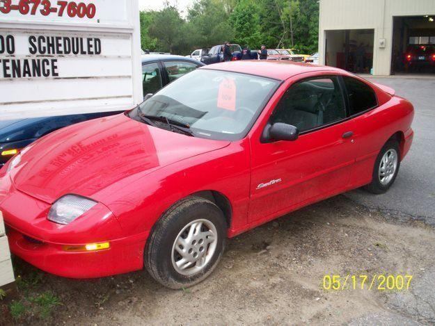 PONTIAC SUNFIRE red