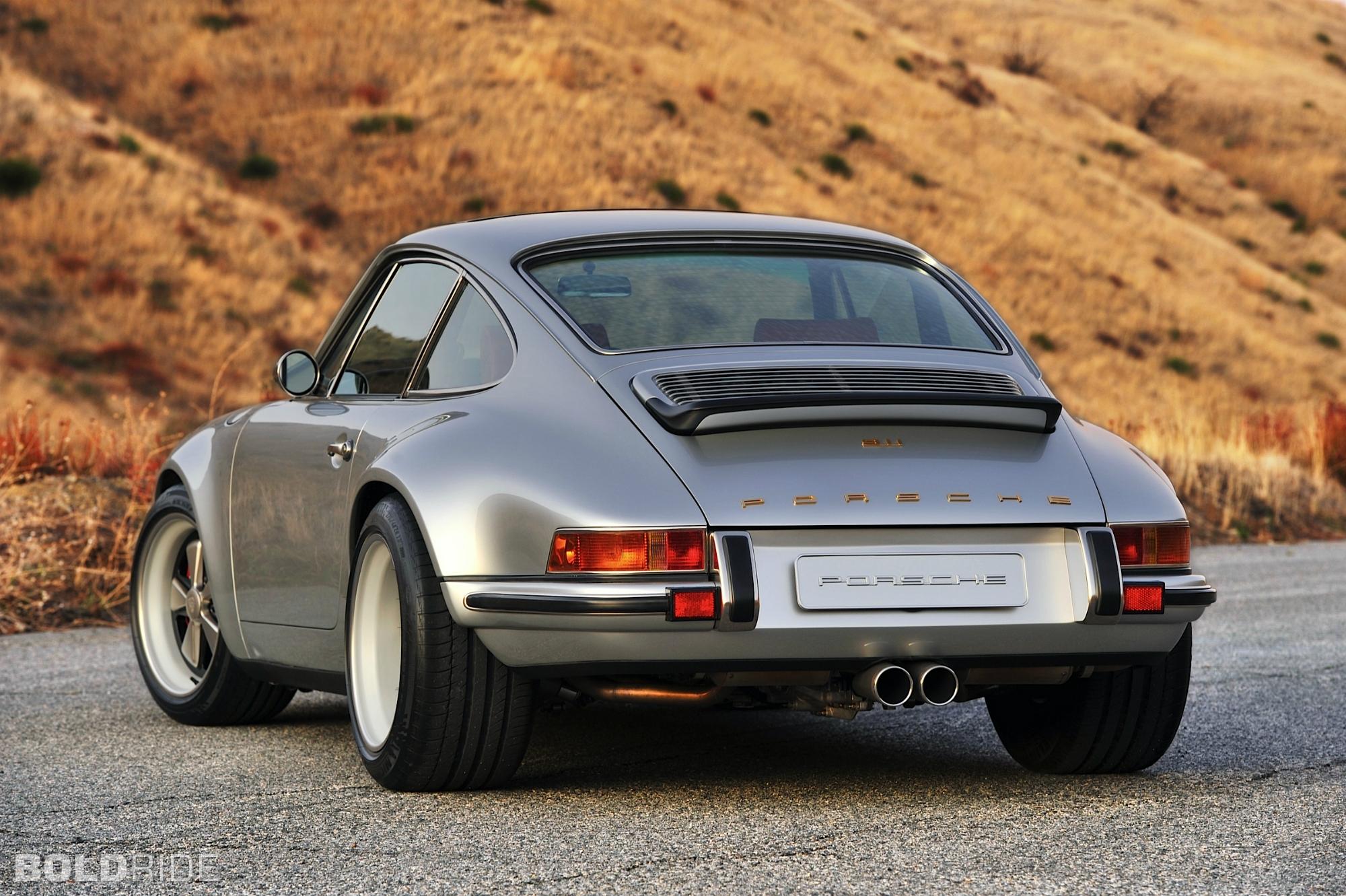 PORSCHE 911 silver