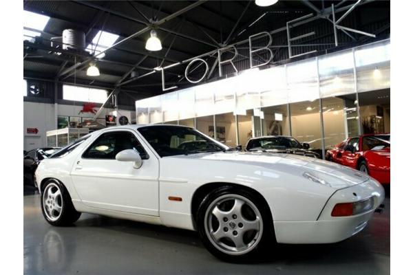 PORSCHE 928 5.4 white