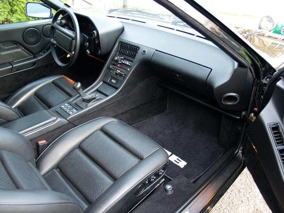 PORSCHE 928 interior