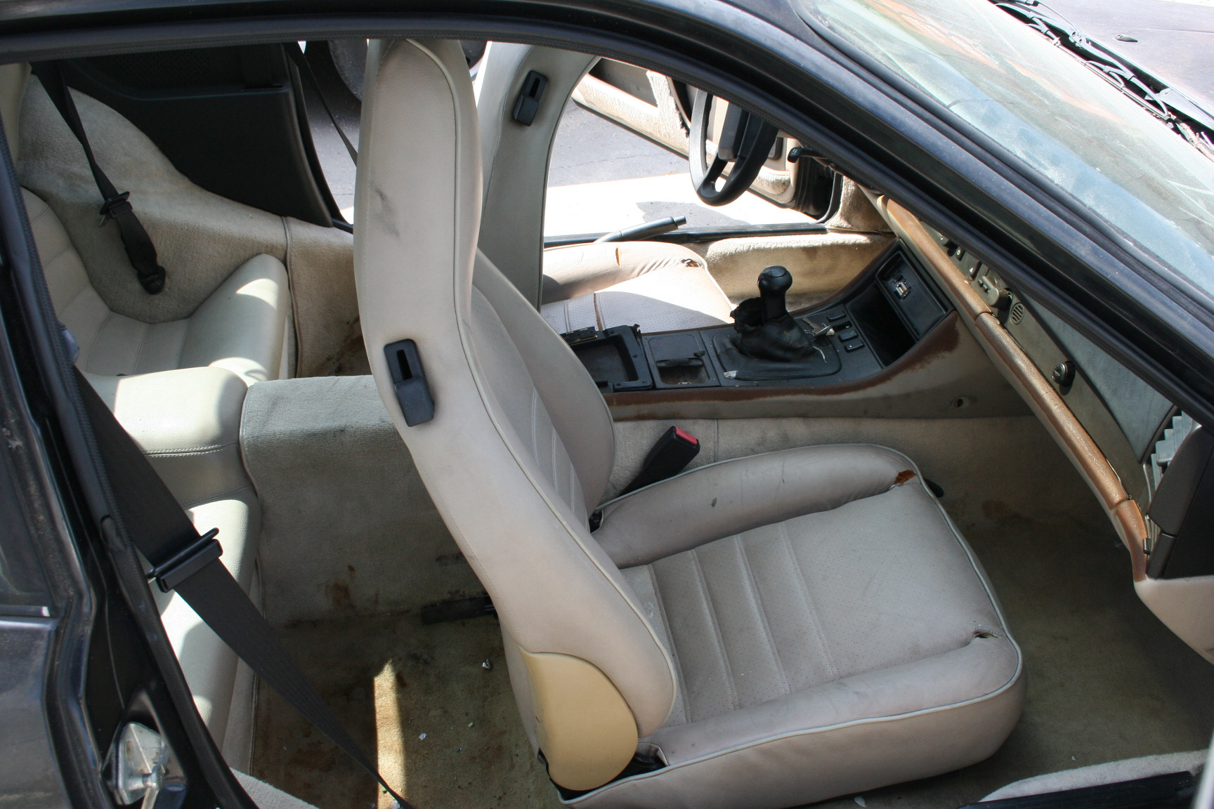 Porsche 944 review and photos for Porsche 944 interieur