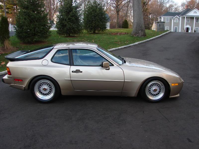 PORSCHE 944 silver