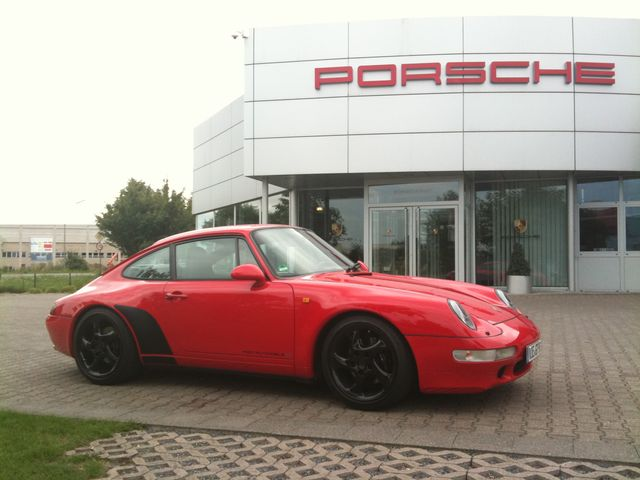 PORSCHE 993 red