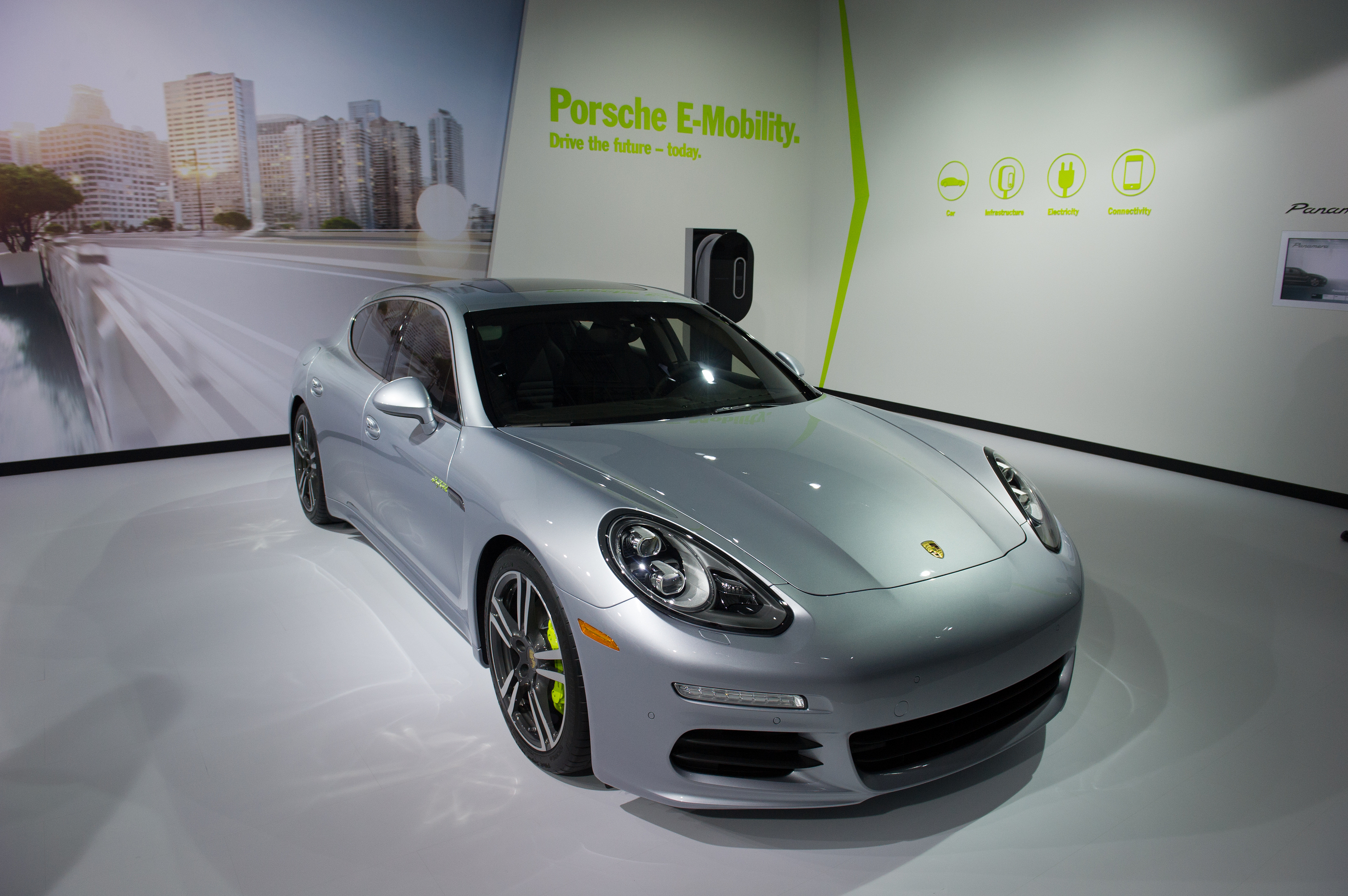 LOS ANGELES, CA - NOVEMBER 20: A PORSCHE PANAMERA S ON EXHIBIT AT THE LOS ANGELES AUTO SHOW IN LOS ANGELES, CA ON NOVEMBER 20, 2013 BY CHRISTOPHER HALLORAN