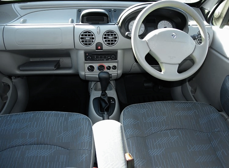 RENAULT 21 silver