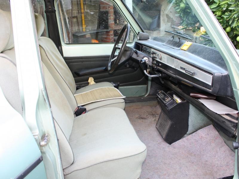 RENAULT 6 GTL interior