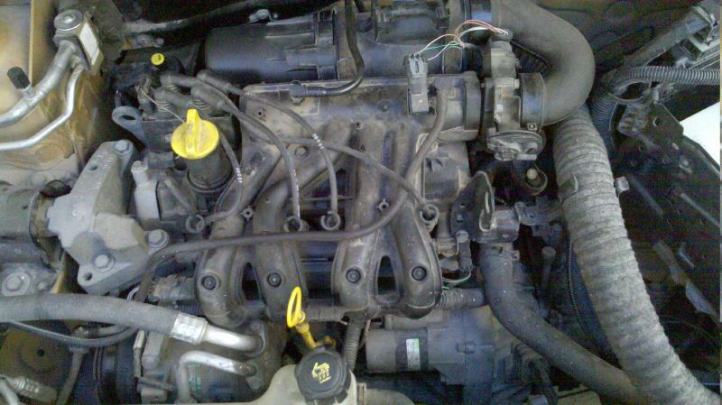 RENAULT CLIO 1.2 engine