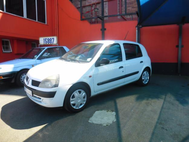 RENAULT CLIO 1.2 white