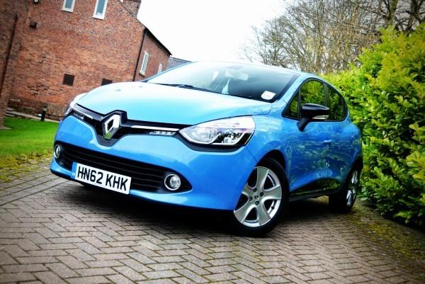 RENAULT CLIO blue