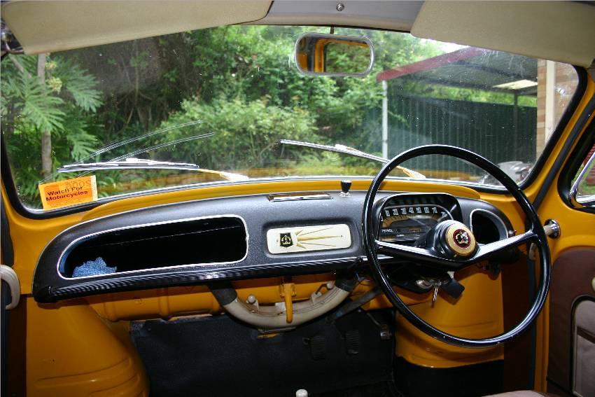 RENAULT DAUPHINE interior
