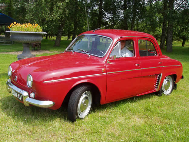 RENAULT DAUPHINE red