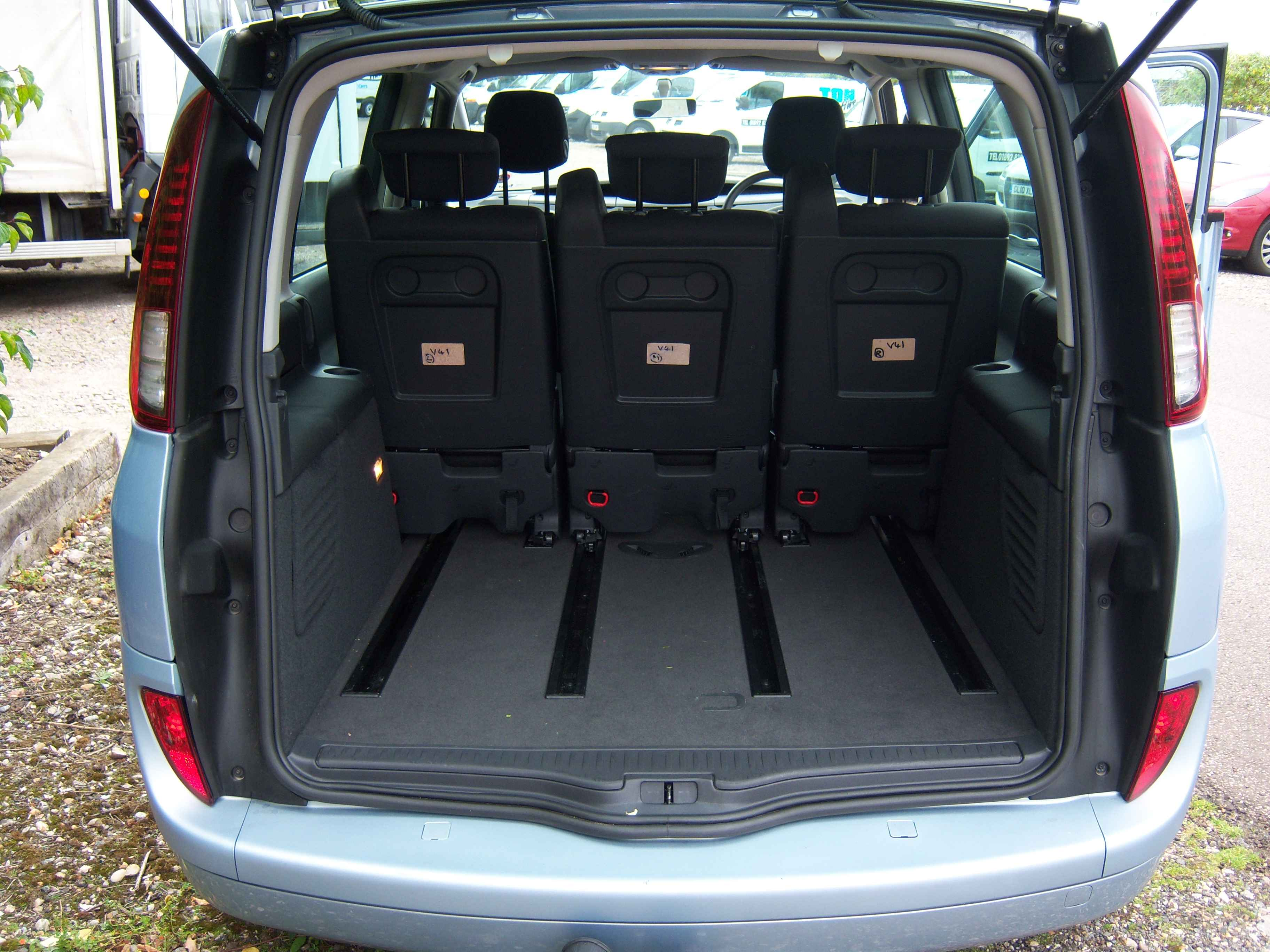 renault espace review and photos. Black Bedroom Furniture Sets. Home Design Ideas