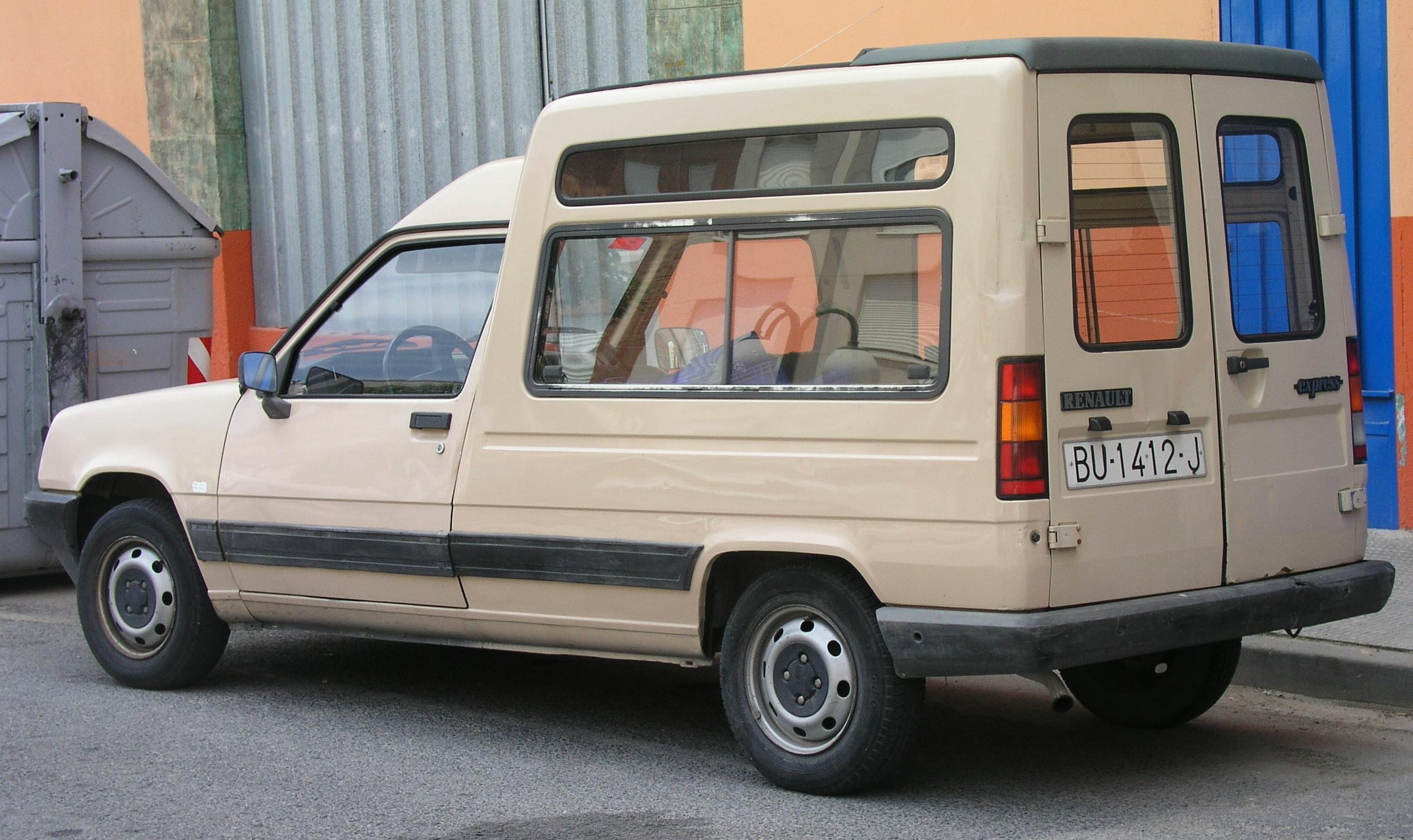 Renault Express - Photos, News, Reviews, Specs, Car listings