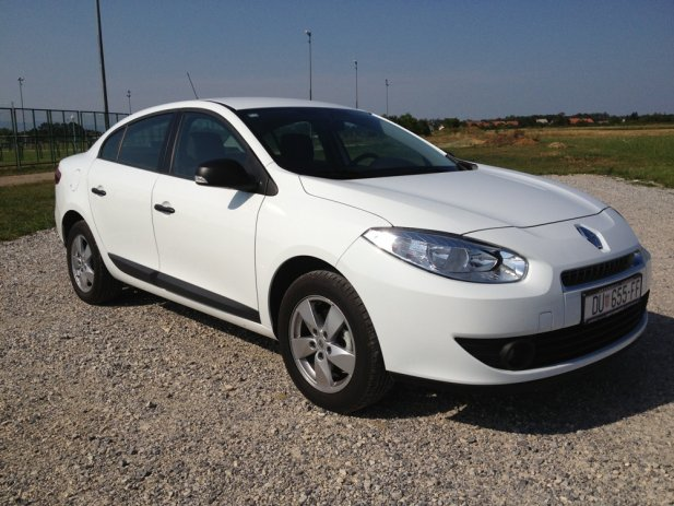 RENAULT FLUENCE 1.6 white