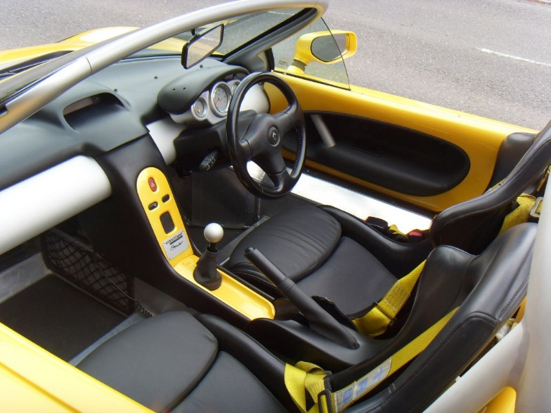 RENAULT SPIDER black