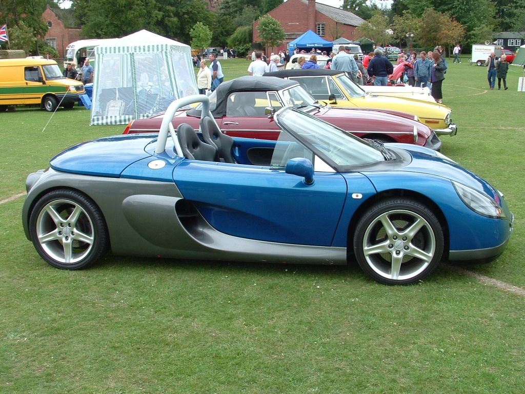 RENAULT SPIDER red