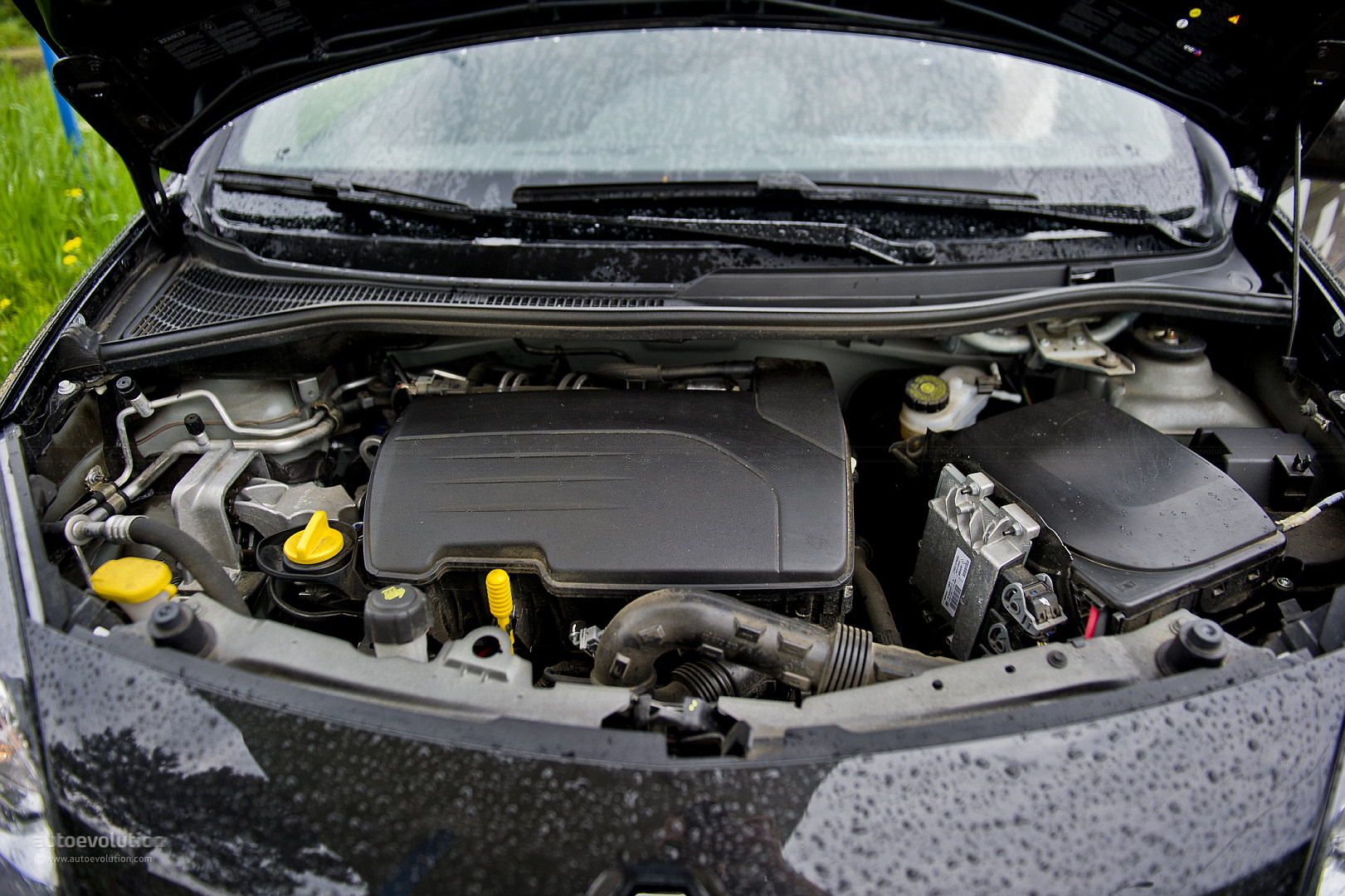 RENAULT TWINGO 1.2 engine