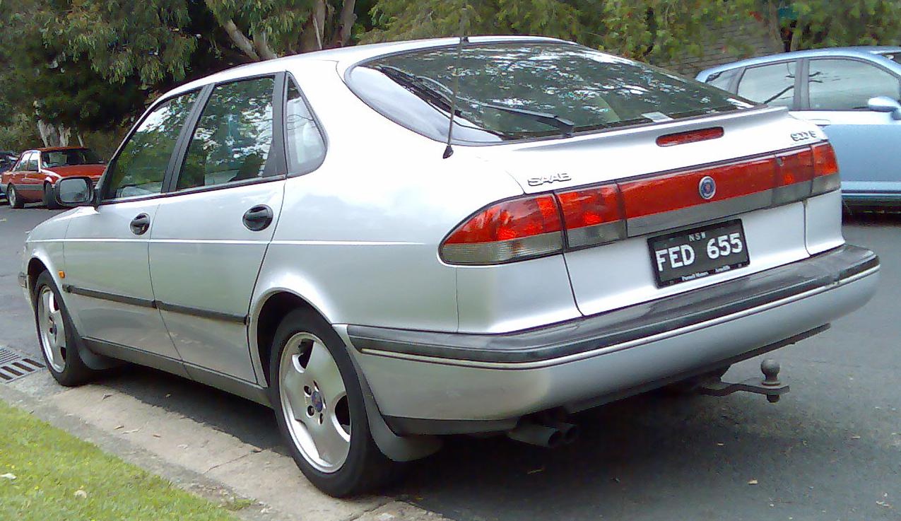 SAAB 900 -16 silver