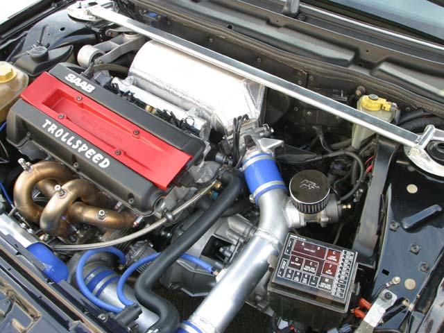SAAB 9000 engine