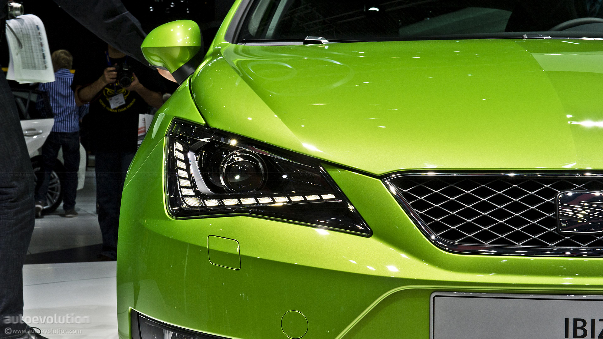 SEAT IBIZA green