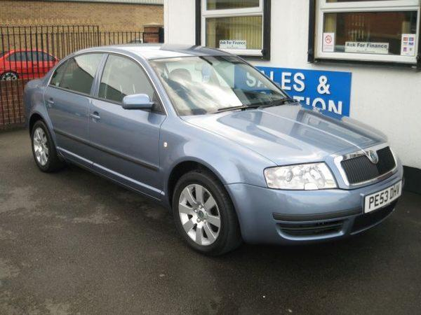 SKODA SUPERB blue