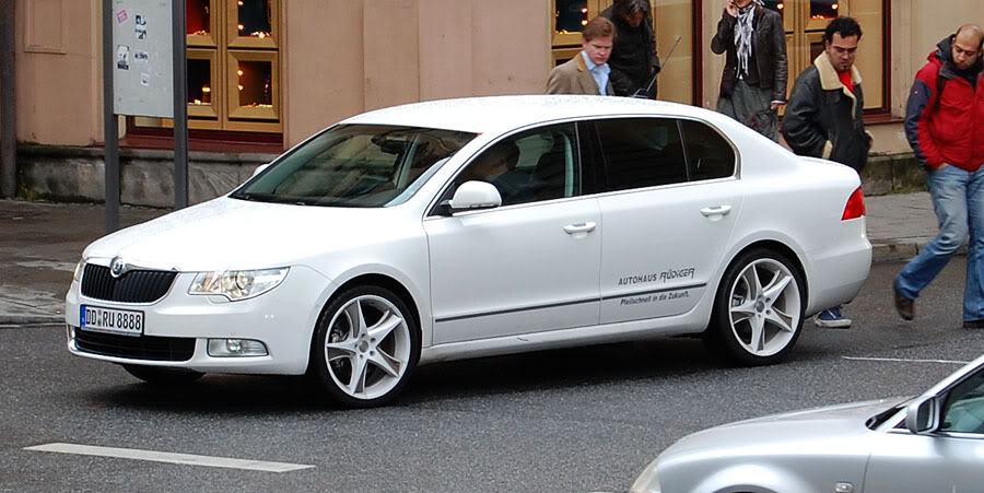 SKODA SUPERB white