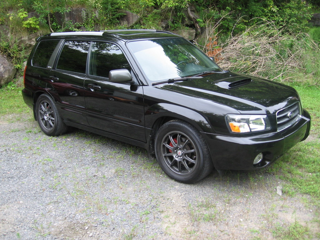 SUBARU FORESTER black