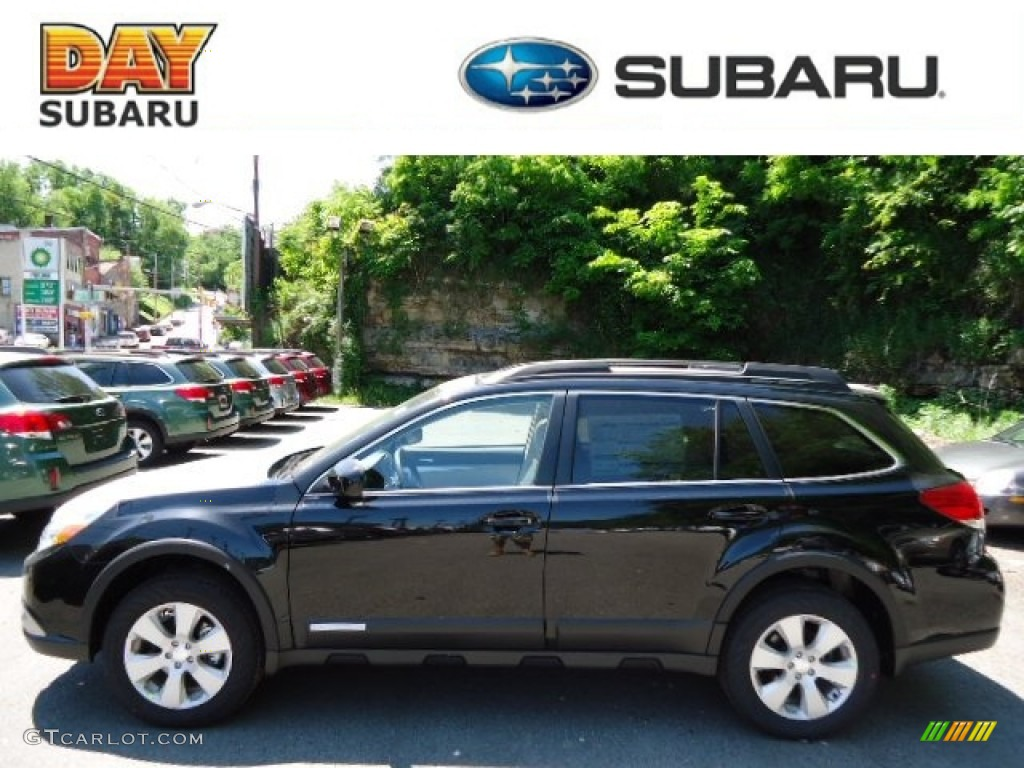 SUBARU OUTBACK 2.5 AT black
