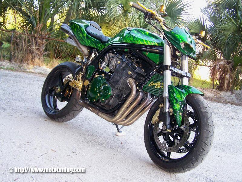 SUZUKI BANDIT green