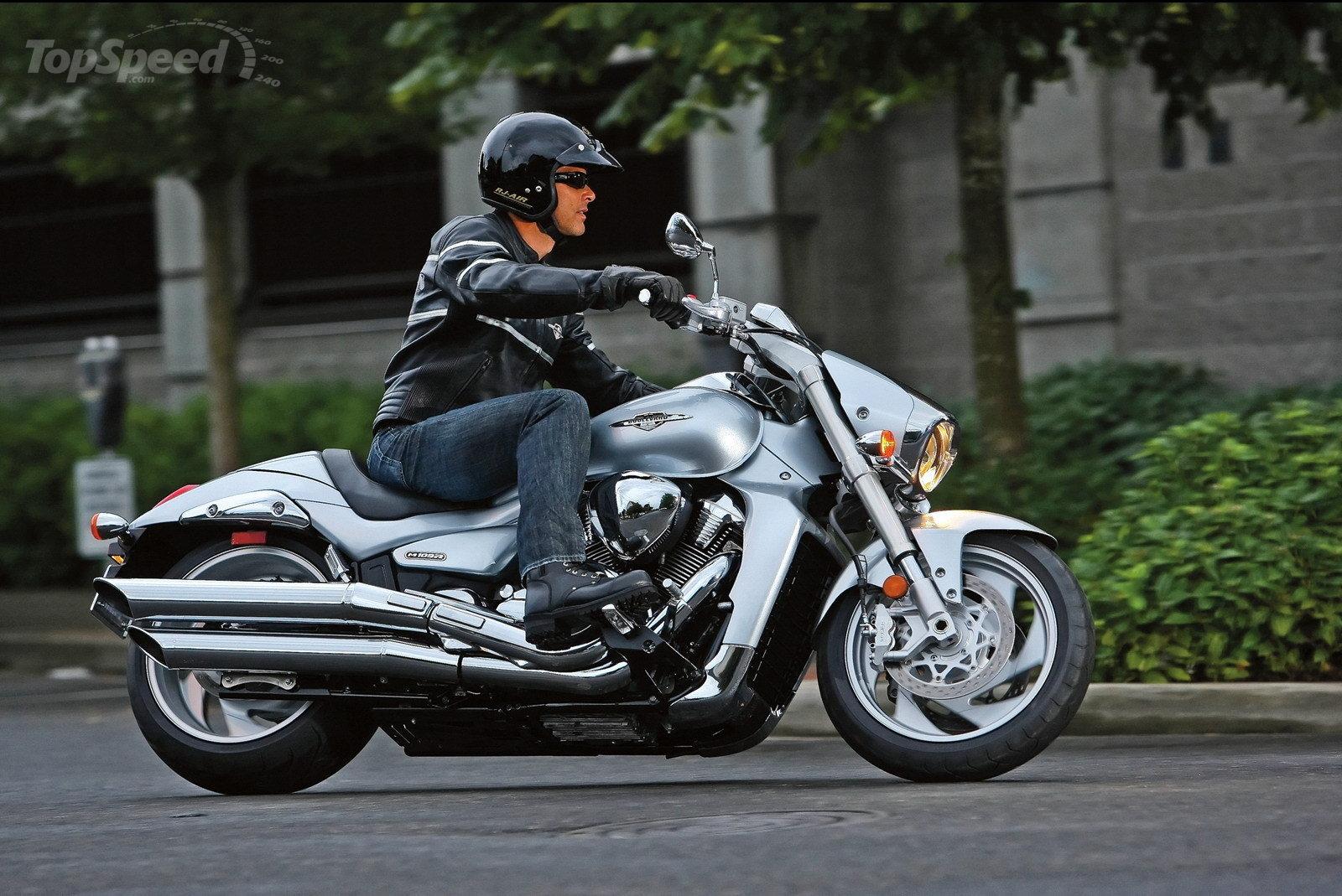 Suzuki boulevard review