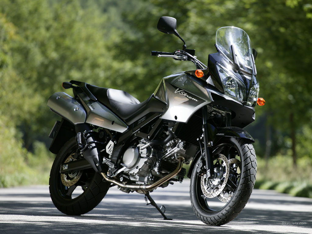 suzuki v strom 1000 review and photos. Black Bedroom Furniture Sets. Home Design Ideas