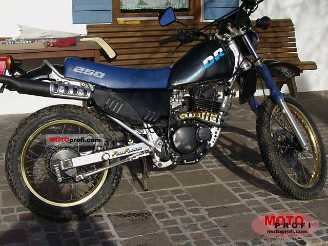 SUZUKI DR 250 blue