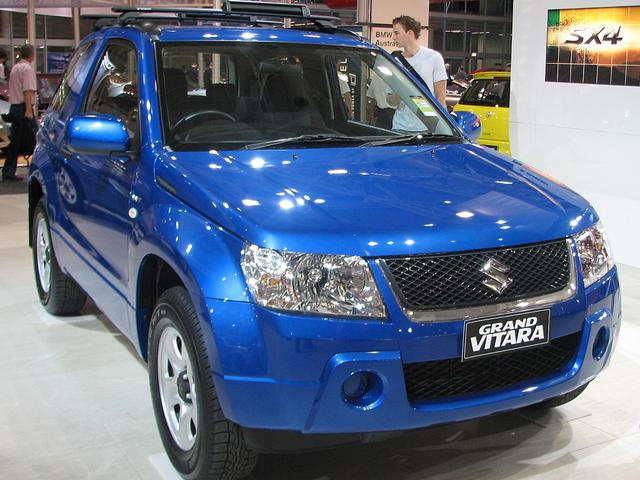 SUZUKI GRAND VITARA 1.6 red