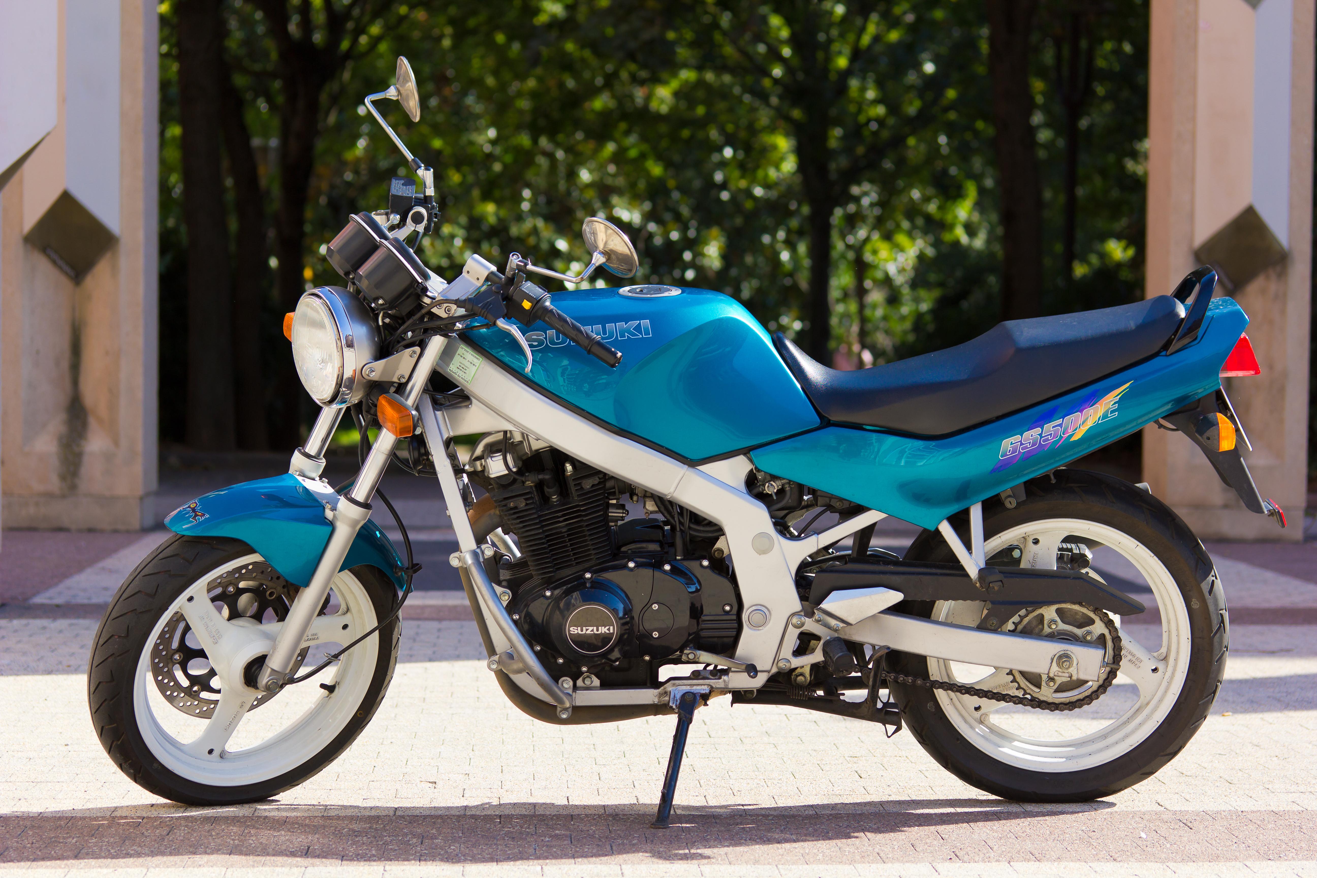 SUZUKI GS 500 E blue