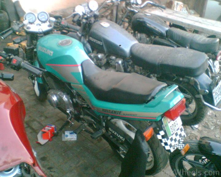 SUZUKI GS 500 E green