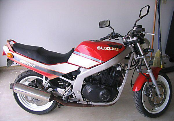 SUZUKI GS 500 E red