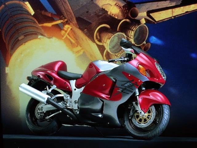 SUZUKI GSX 1300 red