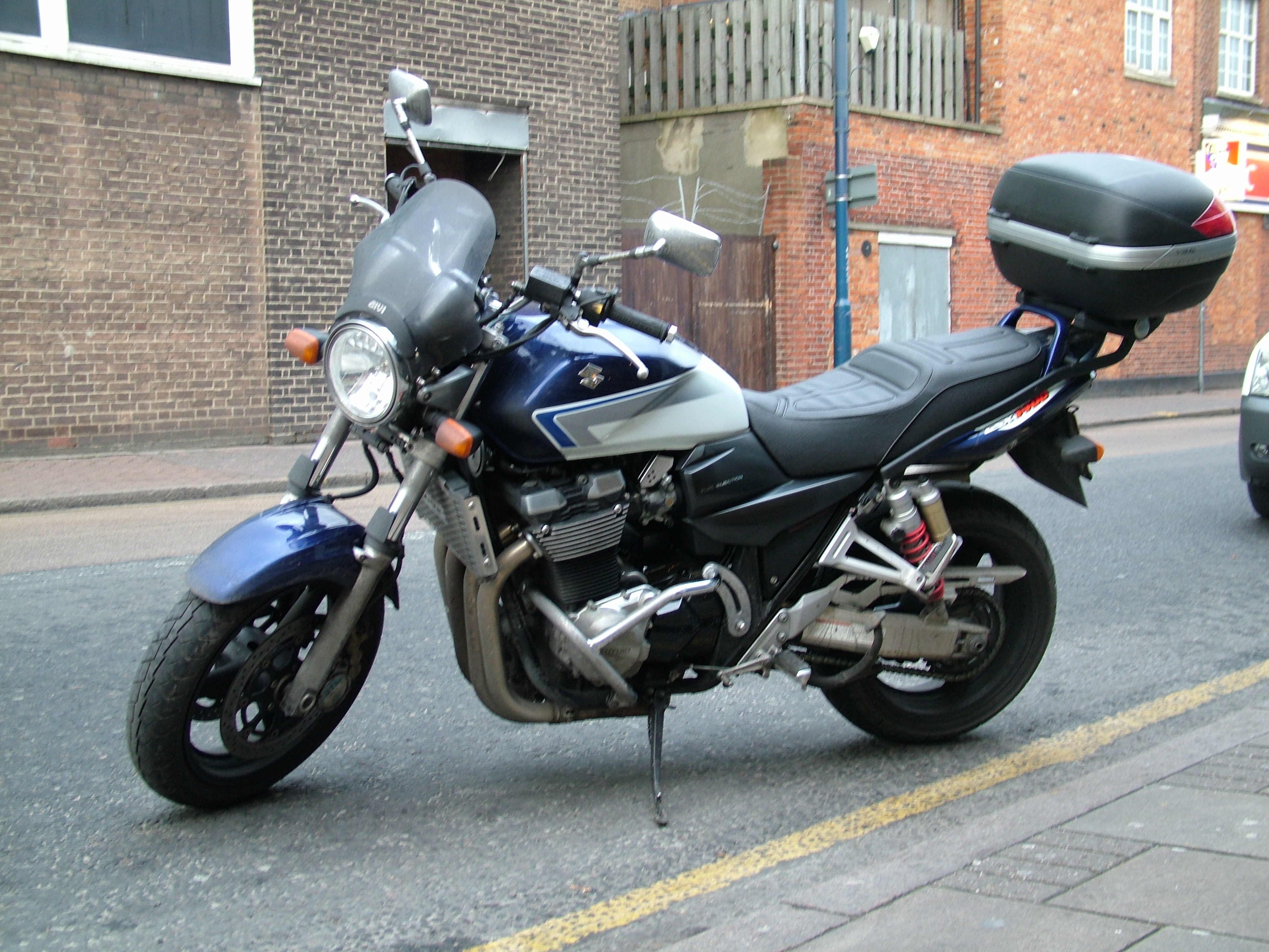 SUZUKI GSX 1400 black