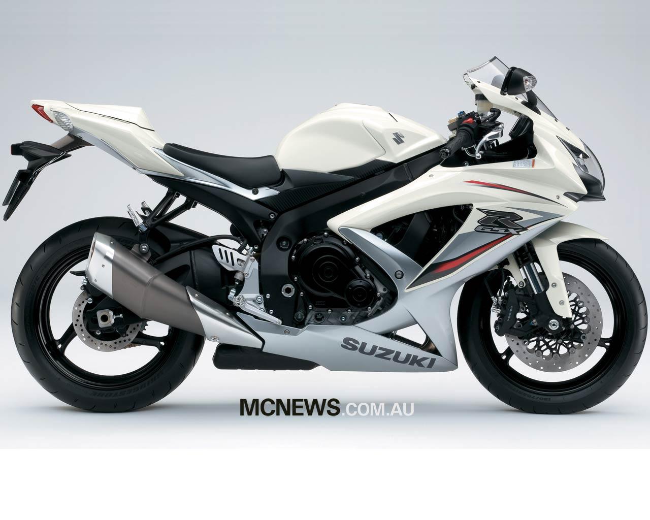 SUZUKI GSX-R 1000 white