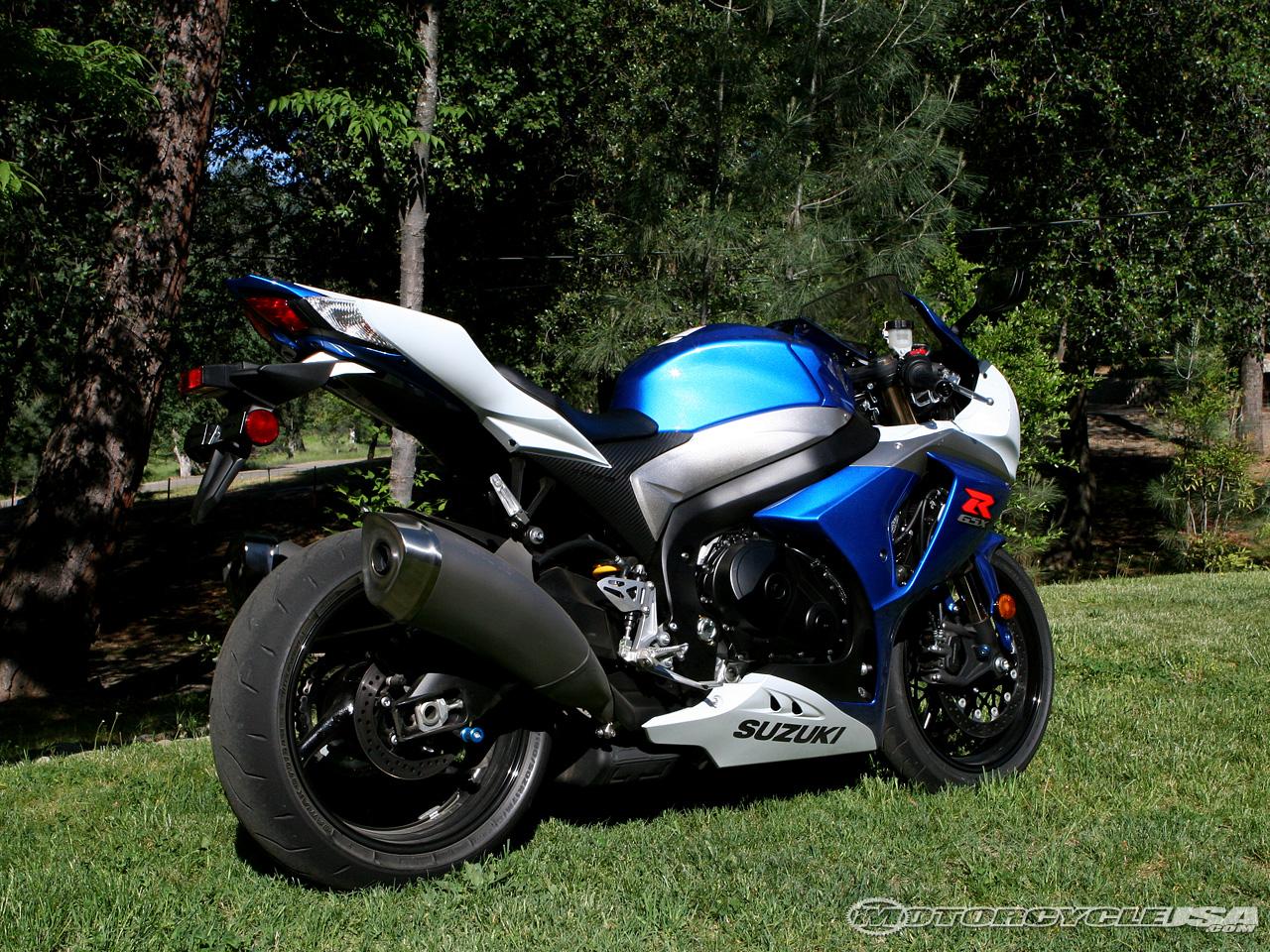 SUZUKI GSX-R1000 black