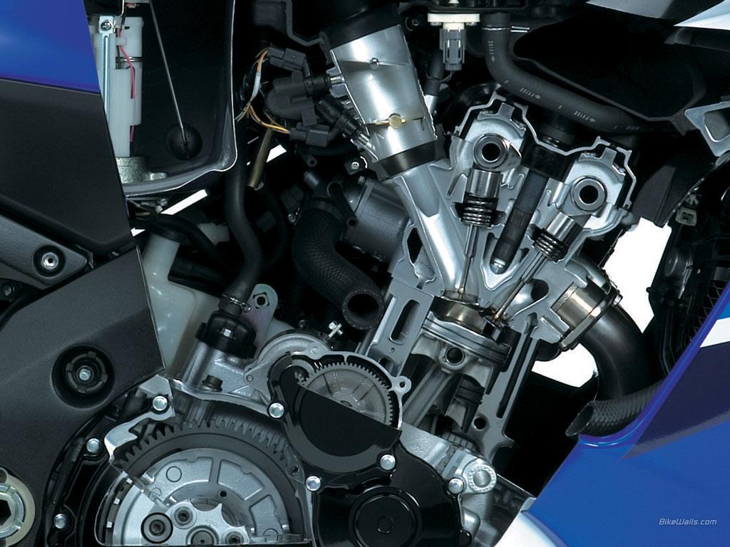 SUZUKI GSX-R1000 engine