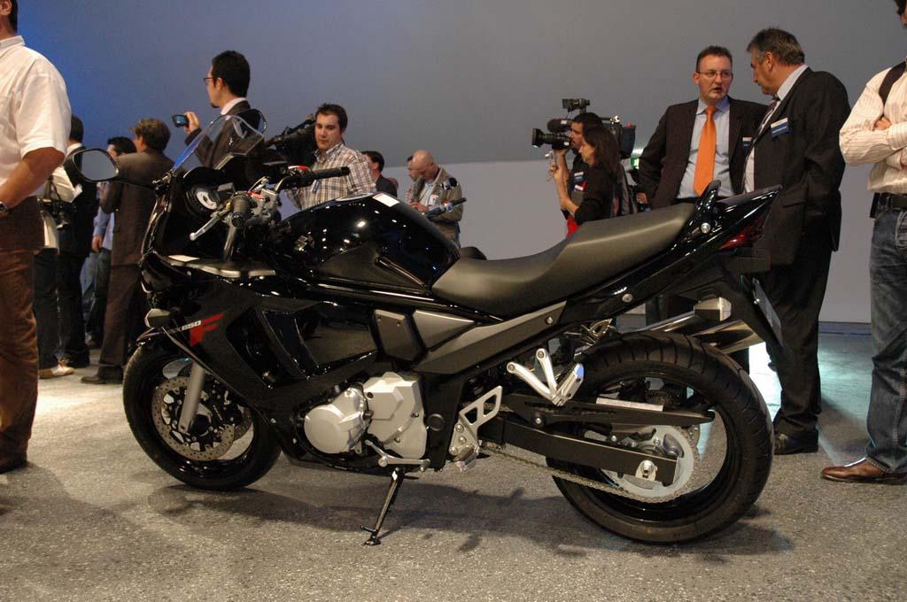 SUZUKI GSX650F black