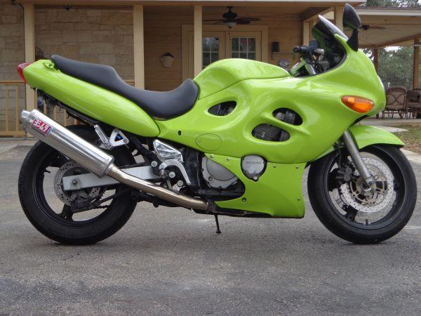 SUZUKI KATANA 600 green