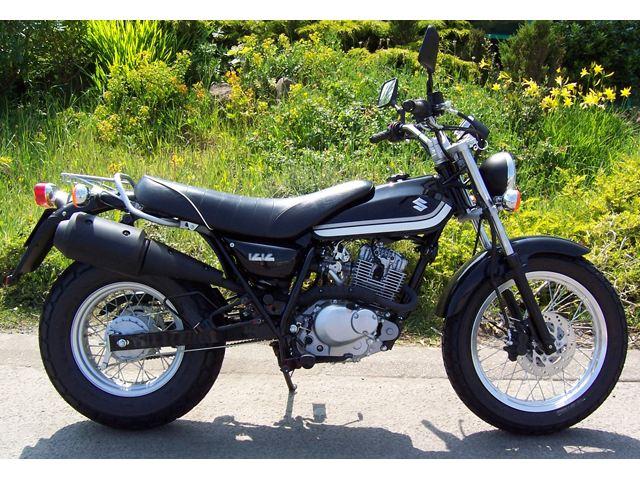 SUZUKI RV 125 VANVAN black