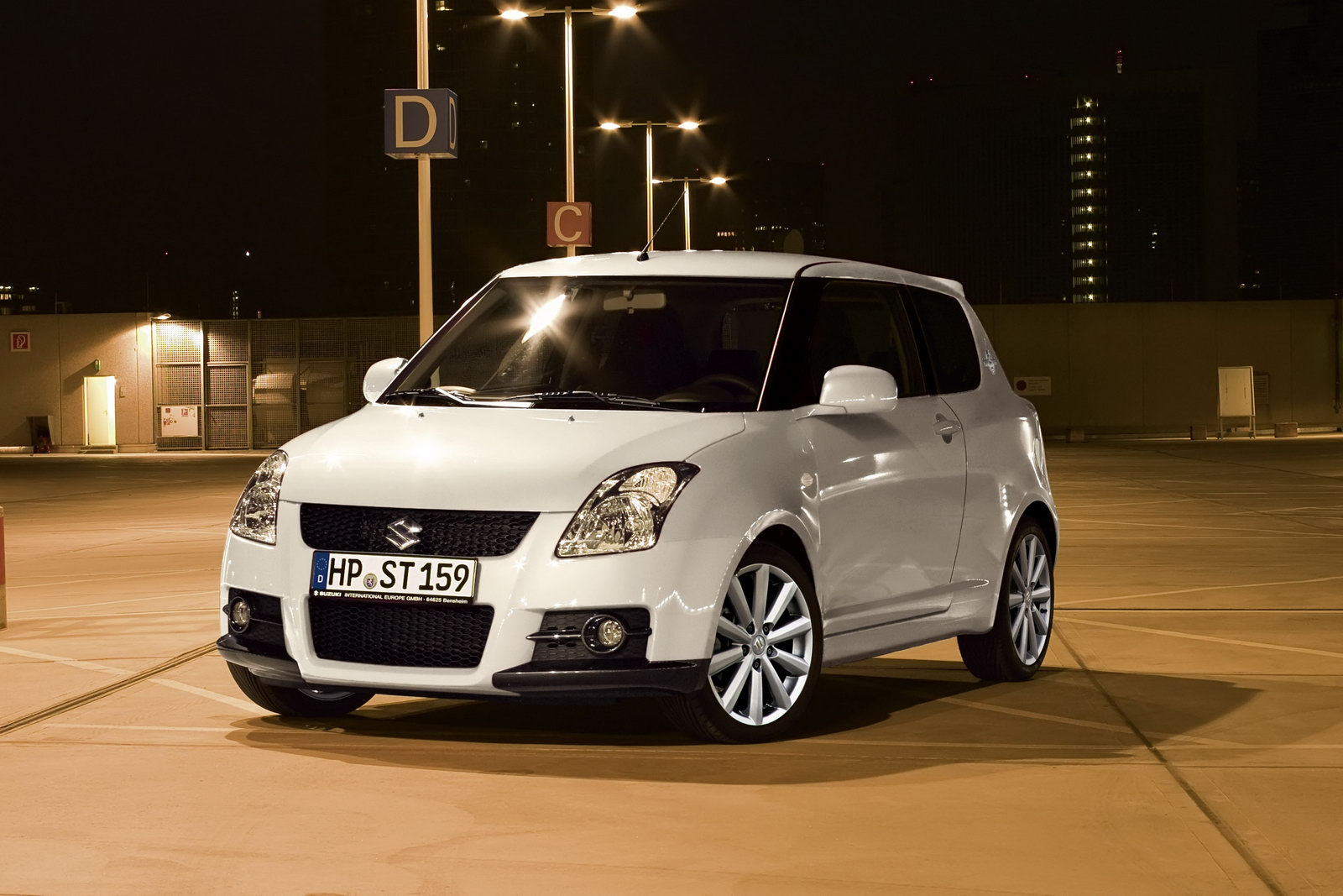 SUZUKI SWIFT black
