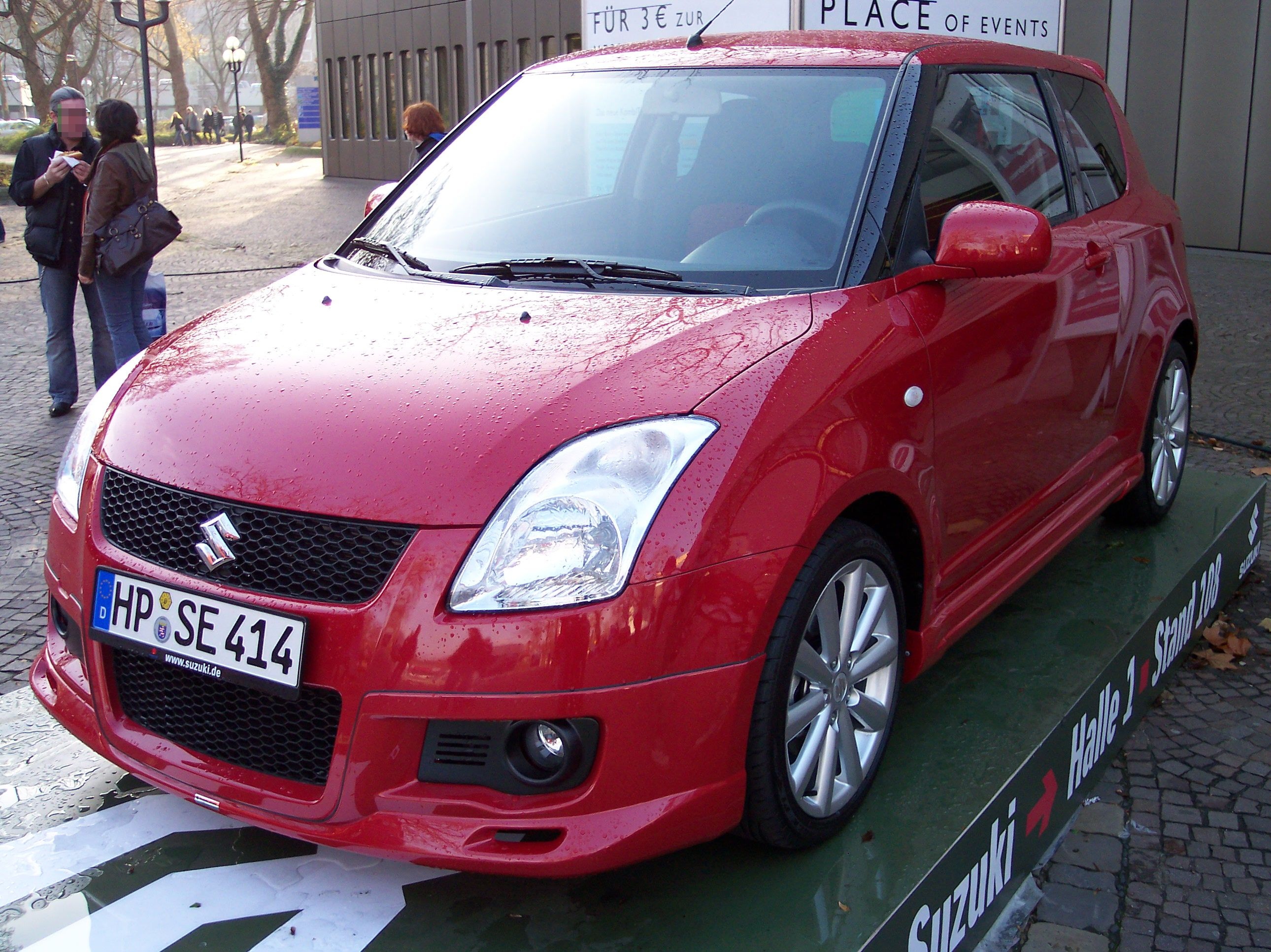 SUZUKI SWIFT red